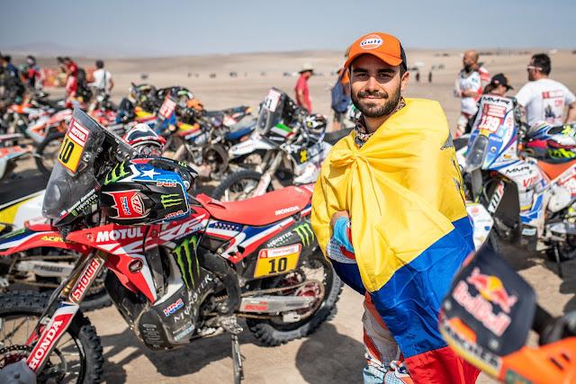 Ex alumno de la USFQ se convierte en el primer ecuatoriano en terminar el rally Dakar en moto