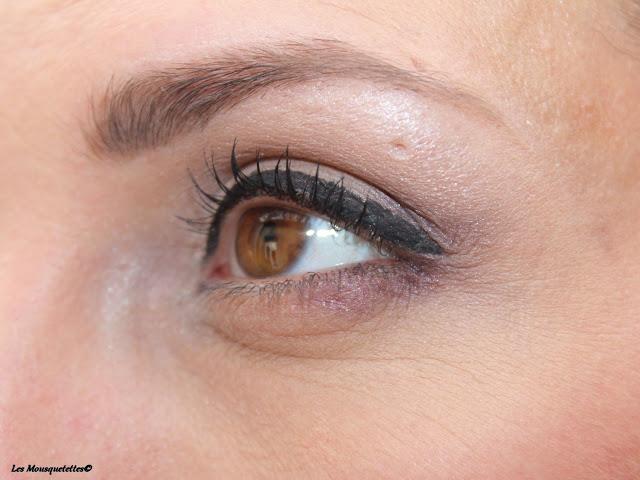 Sourcil maquillé avec la Boite à Sourcils de L'Atelier Maquillage Paris - Blog beauté Les Mousquetettes©