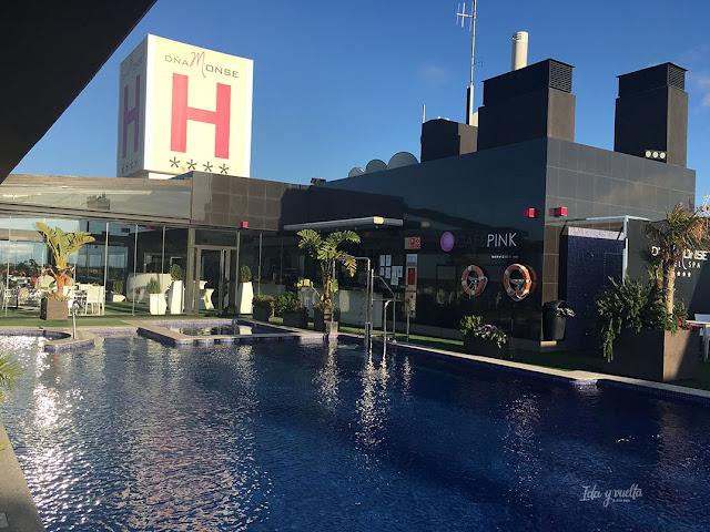 Hotel Doña Monse piscina en la azotea