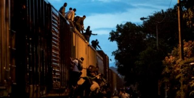 'Twelve Apostles' help migrants cross Mexico