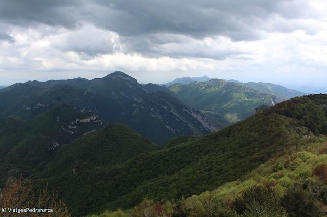 Ruta senderista, Puig de Comanegra, Puig de les Bruixes, Montagut i Oix, Beget, Garrotxa, Girona, Catalunya