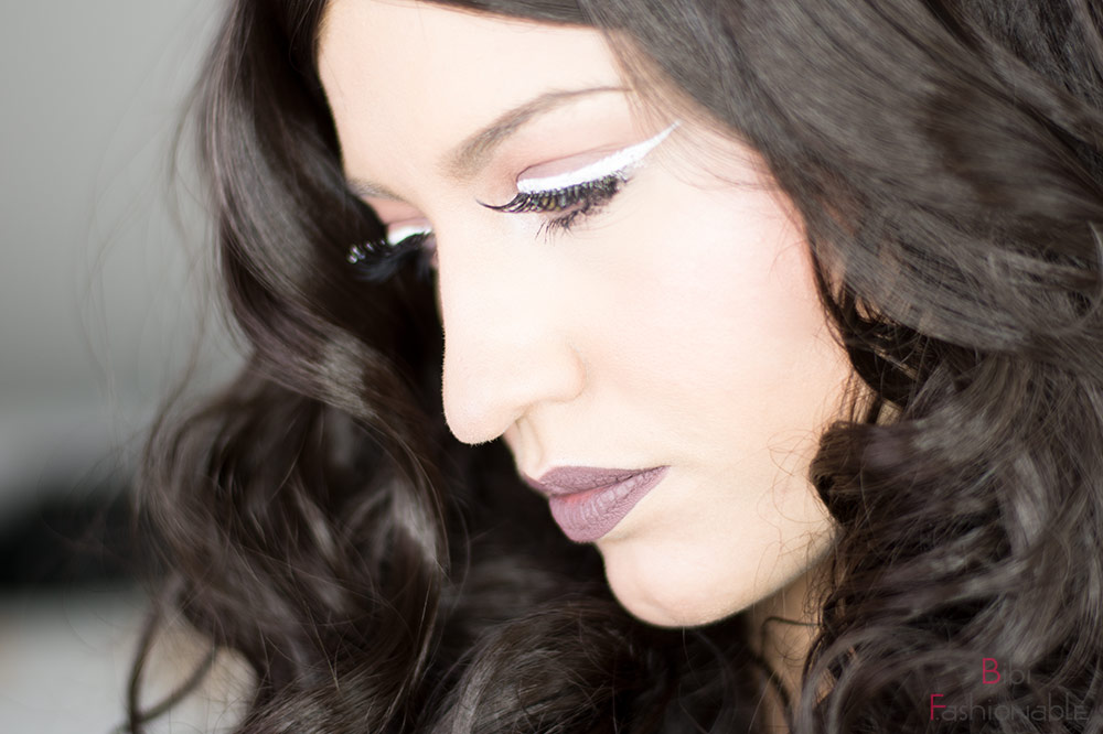 Nachgeschminkt Taupe Eyes and Lips with White Liner Close Up