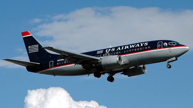 Viajar En Avión Los Hombres Que Viajan En Primera Y: Cerdo Viaja En Primera Clase En Avión