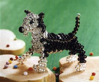 Собака из бисера объемным параллельным плетением