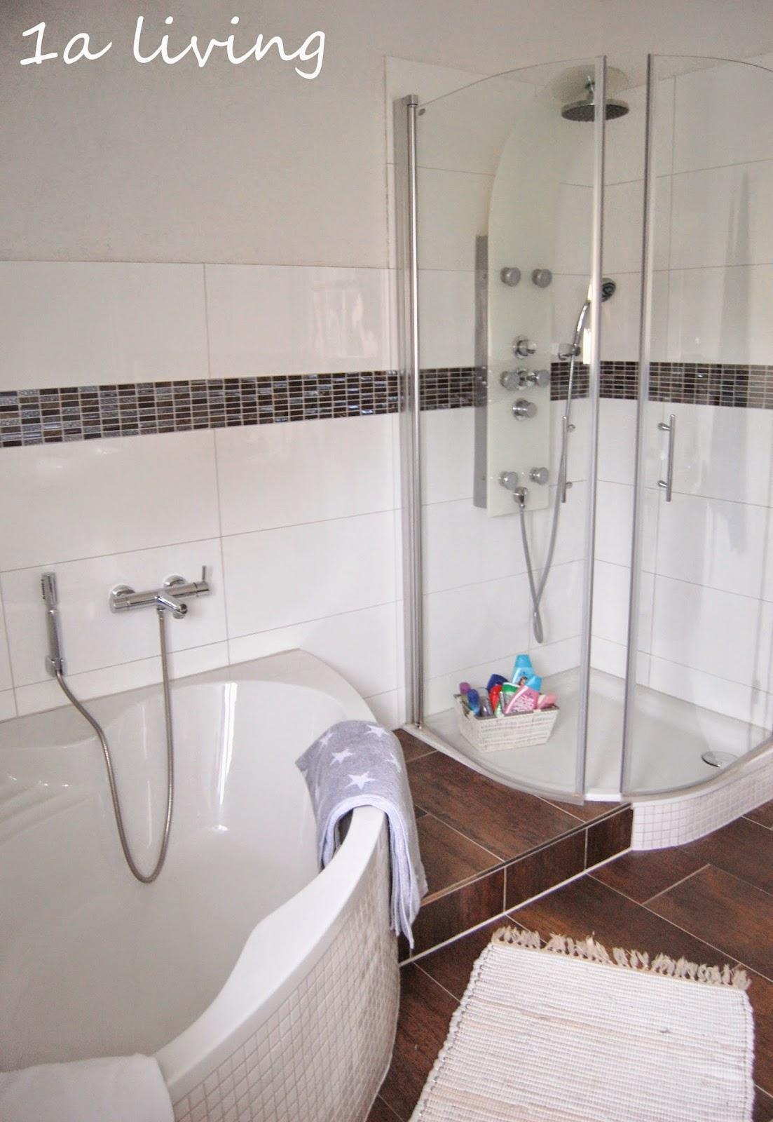 1a living die andere seite vom bad ein blick ins g ste wc. Black Bedroom Furniture Sets. Home Design Ideas