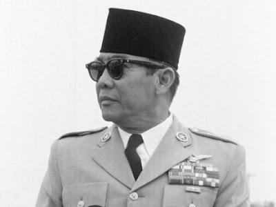 Misteri Kacamata Hitam Milik Presiden Soekarno yang Konon Dapat Tembus Pandang, Benarkah? Inilah Kebenarannya