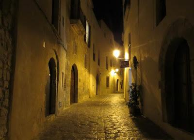 Dalt villa Ibiza.Paseo nocturno por la Dalt Vila