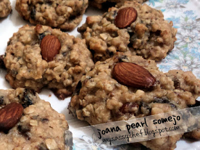 Almond Oatmeal Cookies with Prunes