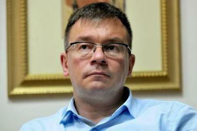 Mihai Răzvan Ungureanu, SIE, Románia, román kémszolgálat,