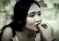 Lirik Lagu Bali Elina Dewi - Ampura