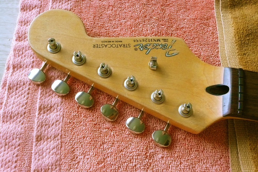 retrofit, tuning machines, Japan, headstock, mim, string guide, tree, bushings, Strat