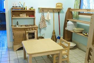 Life more simply our jouney into montessori for Mobili montessori