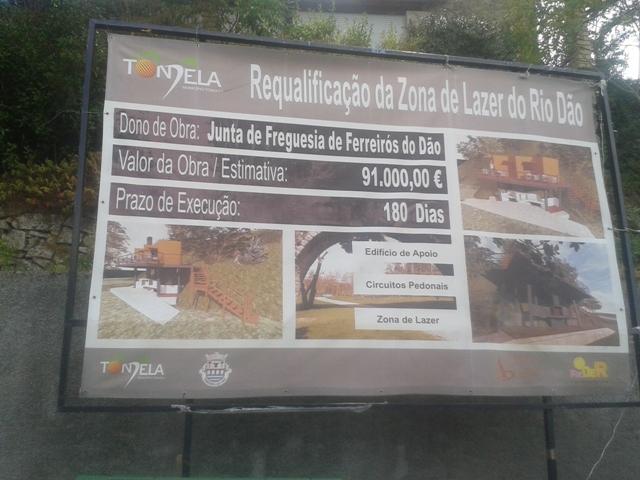 Placa requalificação Zona de lazer do Rio Dão