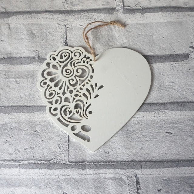 Primark cut out white heart hanging plaque