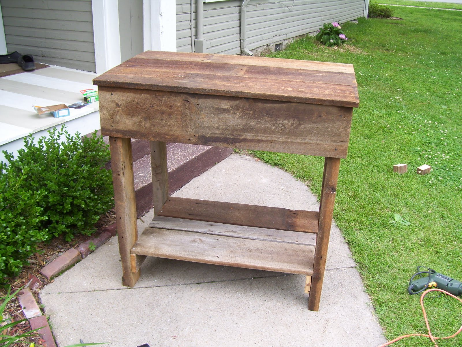 vintage home love: How To Build A Rustic Kitchen Table Island