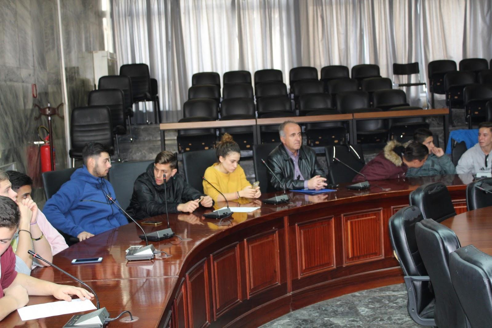 Συνάντηση φορέων και μαθητικών συμβουλίων στο Δήμο Λαρισαίων για την επέτειο του Πολυτεχνείου (ΦΩΤΟ)