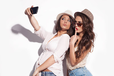 5 Reasons Why Taking Selfies Can be Good For You