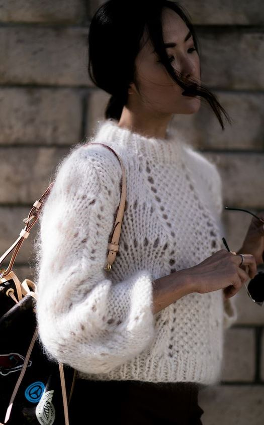 fall trends/ knit sweater + bag + jeans