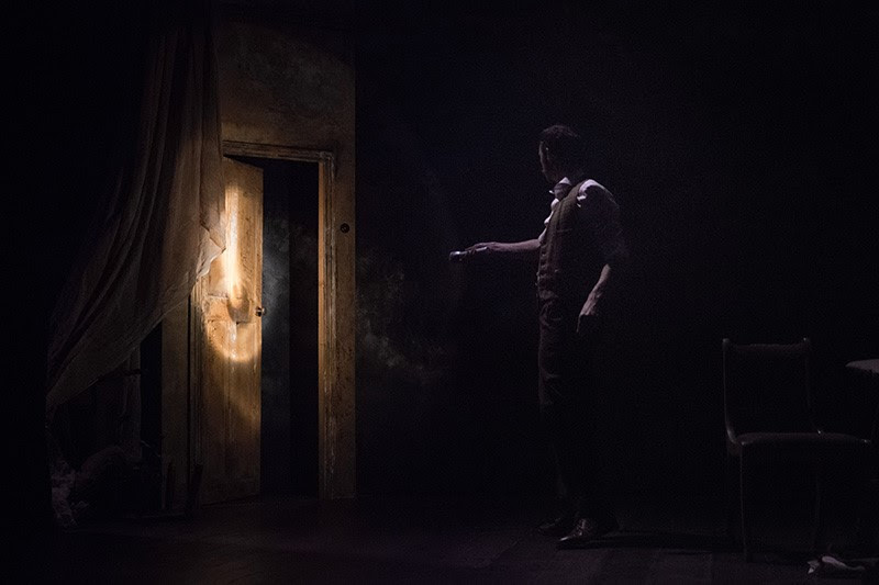The Woman in Black, play, Torch Theatre, The Torch Theatre Company, stage, live, review, horror, Ioan Hefin, Rhys Meredith, Miriam o'Brien