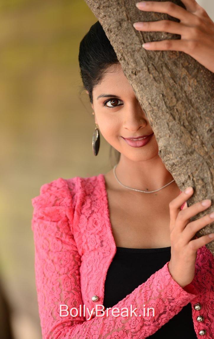 Naveena Pics, Actress Naveena Latest Stills