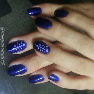 nail-art-puntos-chic