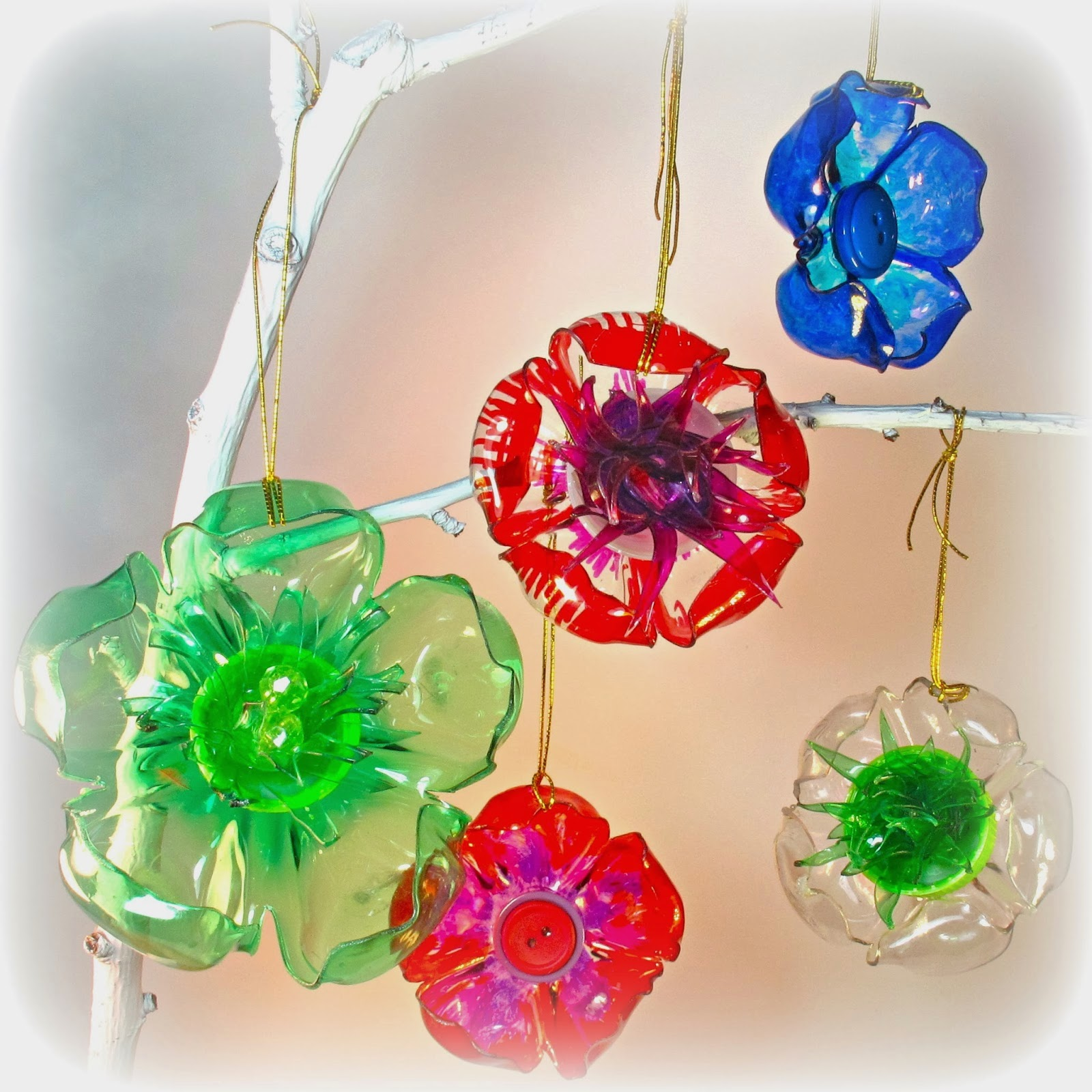 Making christmas decorations using recycled materials - Some Art And Craft Ideas