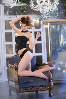 twerking girl - Caramel-S01-007.jpg