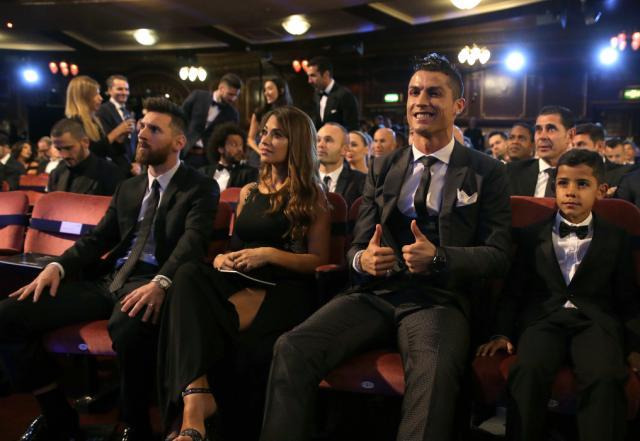 Ronaldo joins Messi as 5-time FIFA player award winner