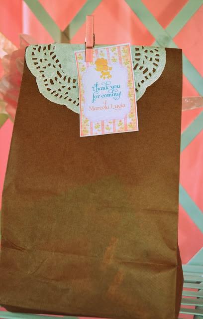 favor bag with doilies