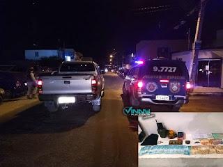 Homem é preso com veículo roubado e mais de R$ 7 mil em dinheiro