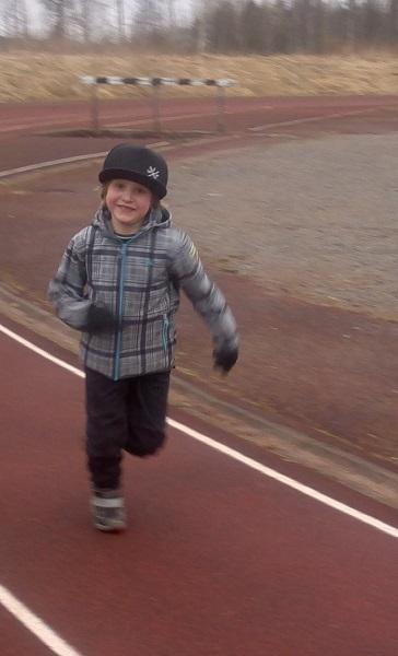 juoksu Reima housut urheilukenttä