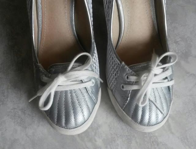 sale heels