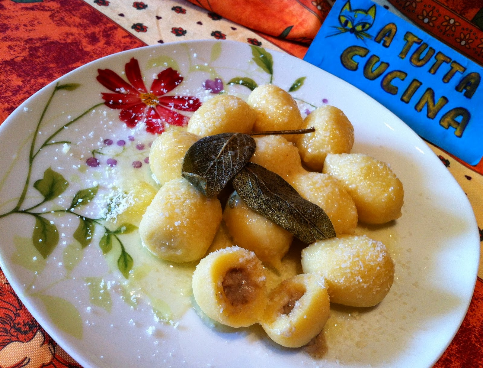 Ricetta Gnocchi Ripieni Al Radicchio.A Tutta Cucina Gnocchi Ripieni Al Gorgonzola E Radicchio