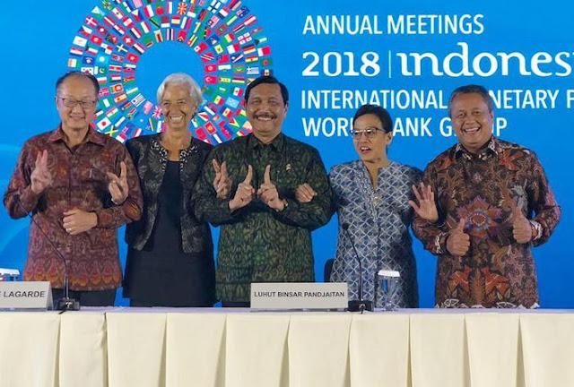 Ketika Luhut tak Mau Acungkan 2 Jari Bersama Petinggi IMF-Bank Dunia