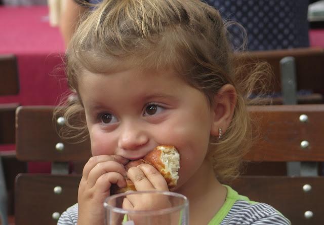 keluarga, parenting, anak, makan, positif, tips, info, portal, kesehatan, kuliner, ragam, portalpositif