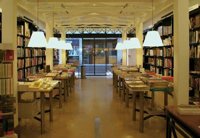 https://soybibliotecario.blogspot.com.es/2017/03/libreria-mollat-francia-instagram.html