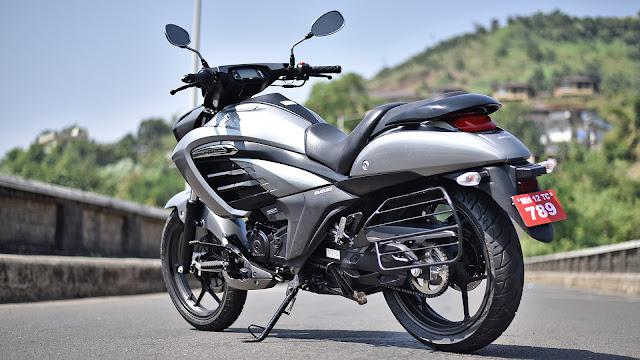 Suzuki Intruder 150 side show pics