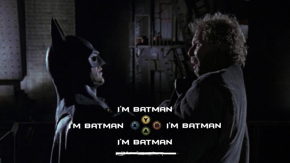 Batman sostiene a un malhechor. Cuatro opciones de diálogo idéticas: soy Batman.