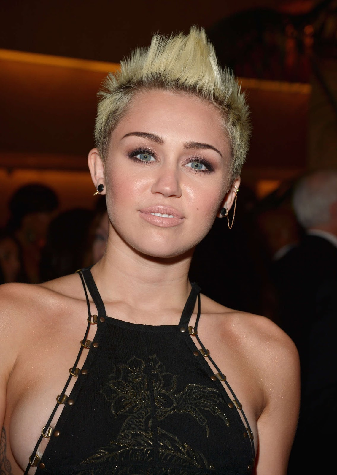 Hd Wallpapers Miley Cyrus Photos-7941