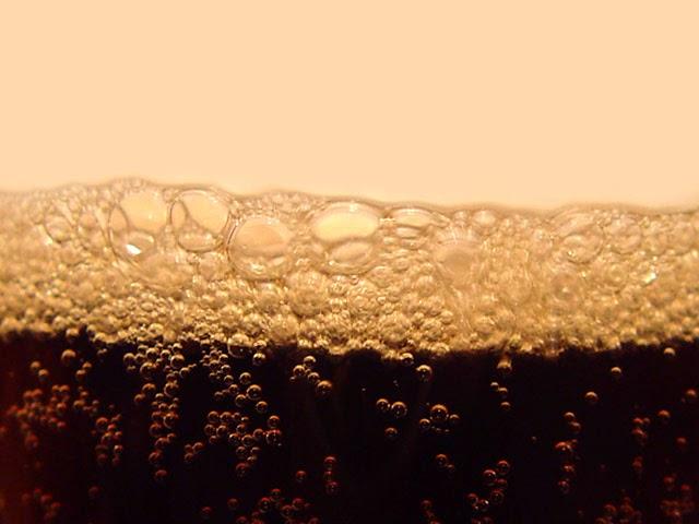 Bolhas de refrigerante - Foto: Gabriel Rosca