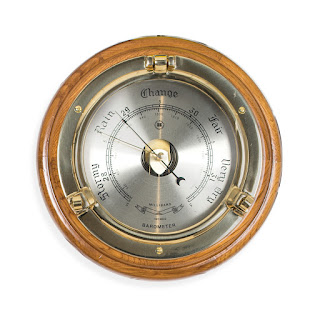 https://bellclocks.com/collections/bey-berk-international/products/brass-porthole-barometer-on-oak-bey-berk-sb408