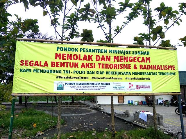 Pondok Pesantren Menolak dan Mengecam Terorisme