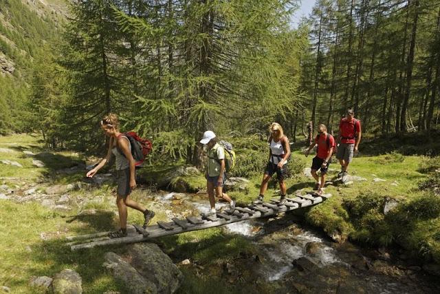 Sie mögen's lieber gemütlicher? Dann spazieren Sie doch einfach durch die traumhafte Natur Südtirols!