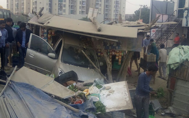 High speed car rammed into the store, Greater Faridabad master road incident, many injured