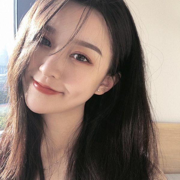 """Xuất hiện """"nữ thần ảnh thẻ"""" khiến cả MXH Trung Quốc phải truy lùng danh tính"""
