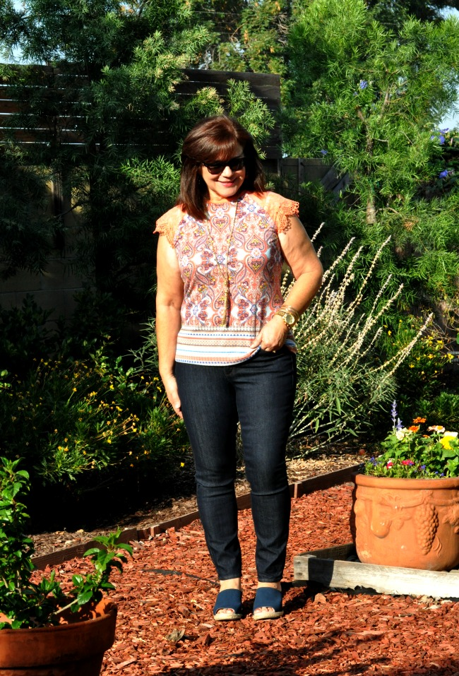 skinny jeans and paisley top