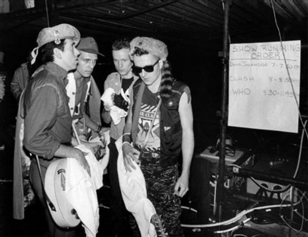 ГОРЯЩИЙ АКВАРИУМ The Clash Live At Shea Stadium 1982 2008
