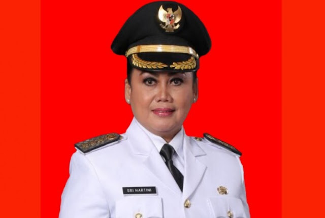 Ironis... Baru Dapatkan Penghargaan dari Jokowi, Bupati Klaten Ditangkap KPK