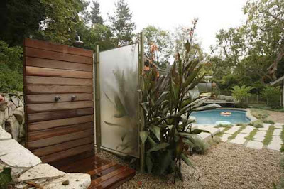 Outdoor+Shower+Enclosure-Contemporary+Patio+Wood