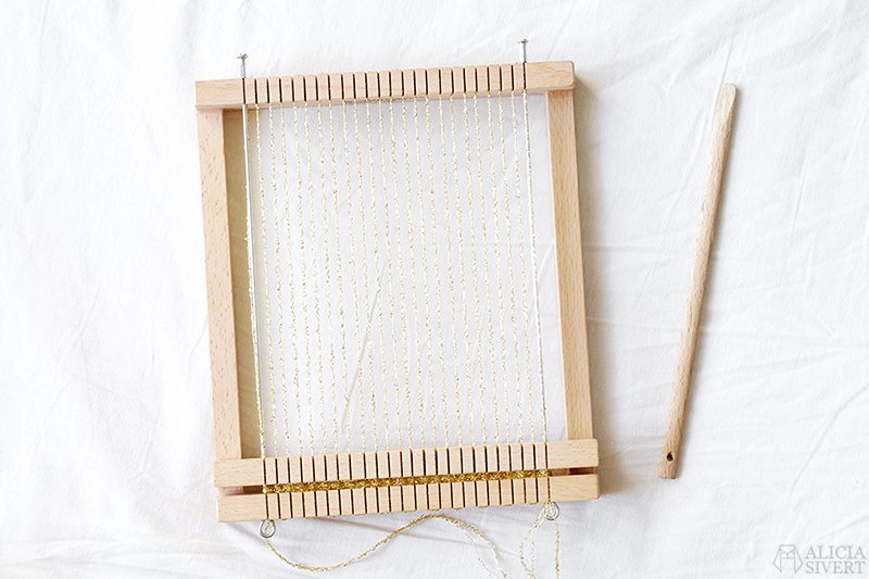 aliciasivert alicia sivert sivertsson skapa skapande kreativitet diy do it yourself gör det själv creativity art konst textilkonst textile väv väva vävning vävram weaving loom guld varp guldvarp varptråd warp golden